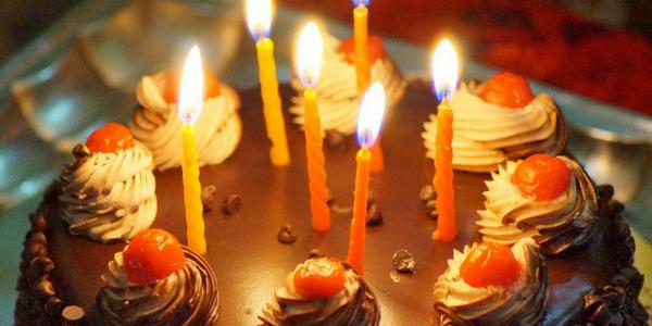 Tortas de cumpleaños libres de gluten.