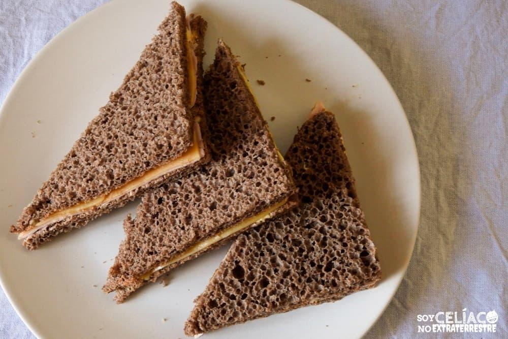 Imagen de sándwich de pan de miga integral sin gluten