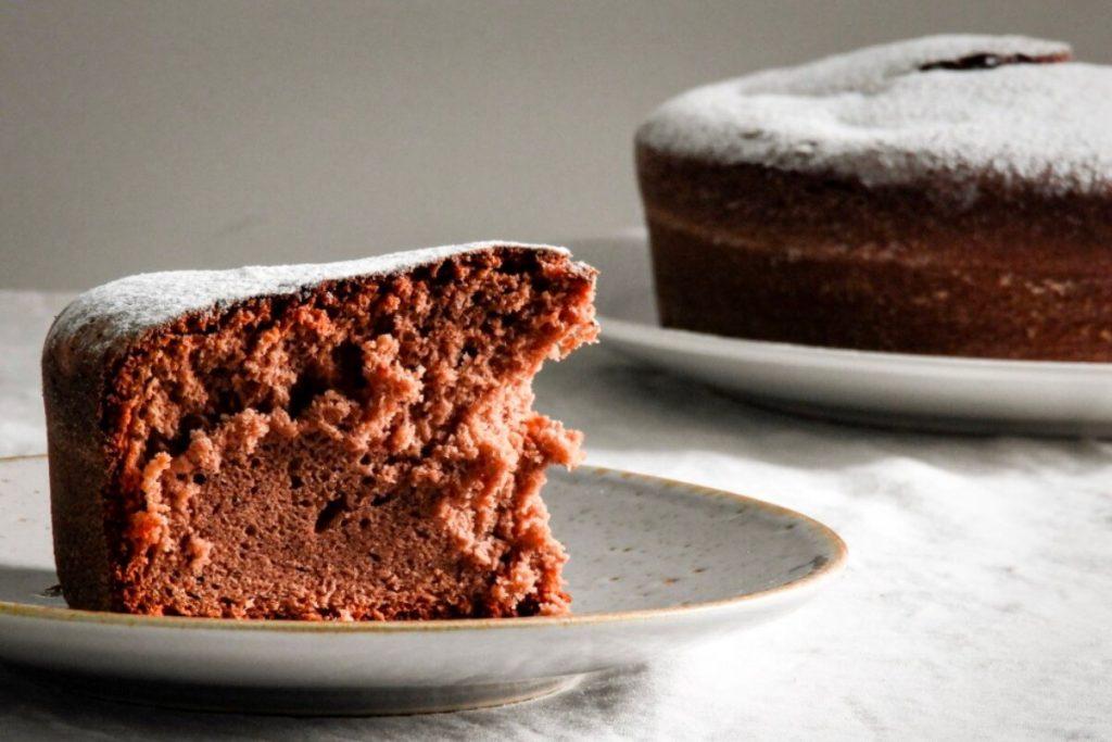 torta de chocolate sin tacc esponjosa y húmeda apta para celíacos